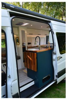 Van Conversion Layout, Van Conversion Interior, Camper Van Conversion Diy, Van Interior, Camper Interior, Mercedes Conversion Van, Campervan Conversions Layout, Motorhome Conversions, Mercedes Sprinter Camper Van