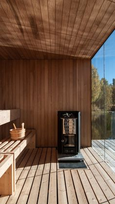 Floating sauna in Sweden, an architecture by Small Architecture Workshop for Stilleben Sweden - Amotsbruk / Landscape Architecture / Contemporary Architecture / Diy Sauna, Sauna Infrarouge, Sauna House, Sauna Room, Steam Sauna, Jacuzzi, Design Sauna, Design Design, Bed And Breakfast