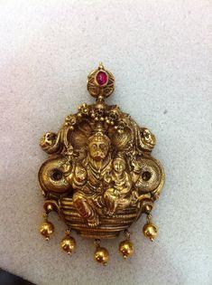 Jewelry Design Earrings, Gold Earrings Designs, Gems Jewelry, Necklace Designs, Gold Designs, Antique Necklace, Antique Jewelry, Mens Gold Rings, Golden Jewelry