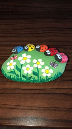 Wonderful Images turtles pet rock Concepts Young children possess a healthy involvement in the planet about all of them, and so it's no wonder the rea Rock Painting Patterns, Rock Painting Ideas Easy, Rock Painting Designs, Paint Designs, Pebble Painting, Pebble Art, Stone Painting, Painted Rock Animals, Painted Rocks
