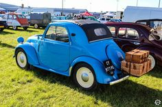 #Simca #5 au salon Auto Moto Retro de Rouen. Reportage complet : http://newsdanciennes.com/2015/09/28/grand-format-auto-moto-retro-de-rouen/ #Cars #Vintage #Classic_Cars