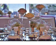 Detalhes decorativos de uma mesa de casamento em Hotel The Oitavos. #casamento #lugares #hotel