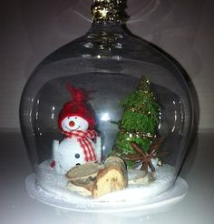 Christmas in a wineglass with a candle on the top. #easy #diy #wineglass #christmas #decoration #tree #snowman #and #snow