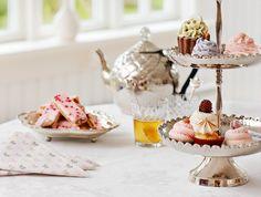 Lisbeth Dahl - got my eye on that cake stand....