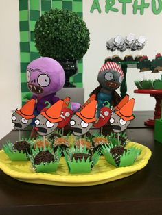 Plants vs Zombies by Papelinttê Kids Zombie Party, Zombie Birthday Parties, 9th Birthday, Plants Vs Zombies, P Vs Z, Zombie Cupcakes, Plant Zombie, Party Themes, Magnolias
