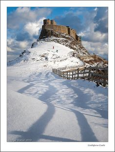 Lindisfarne Castle, Holy Island, Northumberland, in winter. Beautiful Castles, Beautiful Places, Northumberland Coast, Northern England, Scottish Castles, Villas, Medieval Castle, Great Britain, Scenery
