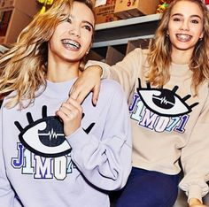 Lisa and Lena - Braces Girls, Lisa Or Lena, Braces Colors, Cute Twins, Bff Goals, Drawing People, Celebrity Pictures, Verona, Beautiful Outfits