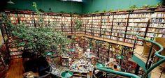 Città del Messico, Messico    La libreria e caffetteria El Péndulo (dalla pagina Facebook della libreria)