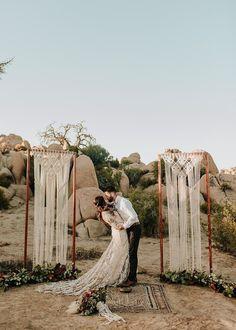 Bohemian wedding inspiration in Joshua Tree! Bohemian wedding inspiration in Joshua Tree! Elope Wedding, Wedding Shoot, Boho Wedding, Summer Wedding, Wedding Venues, Wedding Desert, Elopement Wedding, Wedding Ideas, Wedding Table