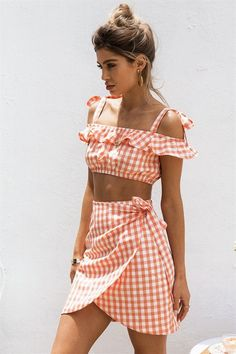 Cata Gingham Skirt - Bottoms by Sabo Skirt Crop Top Outfits, Preppy Outfits, Cute Summer Outfits, Stylish Outfits, Spring Outfits, Girl Outfits, Cute Outfits, Teenage Outfits, Street Style