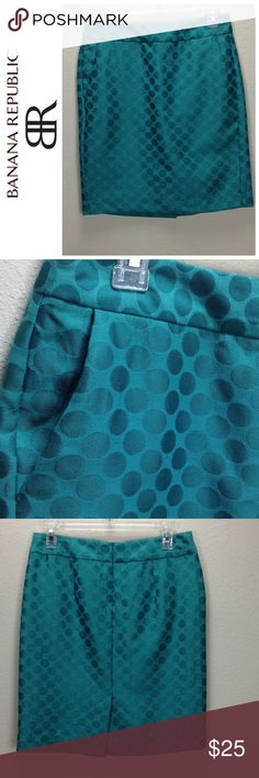 Banana Republic Green Polka Dot Pencil Skirt Green polka dot pencil skirt with pockets , rear zipper closure and rear split.  Great for St. Patrick's Day!  In excellent condition with no visible stains, holes or piling.  Thanks for your interest!  Please checkout the rest of my closet. Banana Republic Skirts Pencil