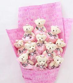 Bouquet Diy Teddy Bear, Teddy Bear Images, Cute Teddy Bears, Candy Bouquet Diy, Diy Bouquet, Graduation Flowers, Diy And Crafts, Crafts For Kids, Adornos Halloween