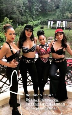 Items similar to Selena Quintanilla Inspired Outfit on Etsy Selena Quintanilla Outfits, Selena Costume, Halloween Kleidung, Adrienne Bailon, Cute Halloween Costumes, Halloween 20, Latina Girls, Swagg, Cute Girls