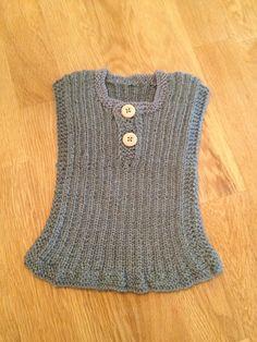 """Vest med knapper, Drops BabyAlpaca Silk. Oppskrift fra """"Babystrik på pinde 3"""". 2013-kolleksjonen. Baby Knitting, Knit Crochet, Stitch, Mens Tops, T Shirt, Fashion, Sweater Vests, Moda, Full Stop"""