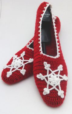 Christmas slipper with Snowflakes  home by Themagicofcolors, $29.99