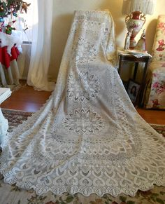 VINTAGE LACE Tablecloth Lacy Ivory Ornate Victorian Shabby Cottage Chic 98 x 61 Elegant Bridal Table Cloth Formal