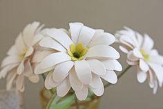Idee für Blumenstanzer: Daisies, Wellenkreis und Blüte mit Spitzen (gerollte Blumen)
