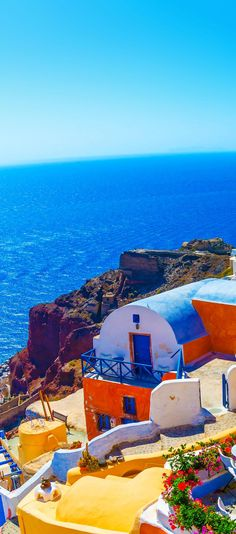 View to the sea from Oia on Santorini island in Greece    |    10 Breathtaking Photos of World's Most Romantic Island