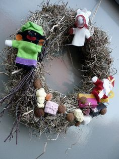 Sinterklaas wreath: funny to see a picture of my very own creation on our front door on the internet.. ;)