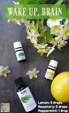 If you are having a hard time getting rid of that fuzzy brain, use this essential oil recipe to wake it up! It's a great way to use aromatherapy during the day! #sp