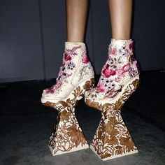 More incredible shoes at Guo Pei