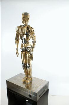 Human Sculpture in Bronze and Stainless Steel by Mark Ho - Handmade, 6 years of work. Human Sculpture, Bronze Sculpture, Steampunk Robots, Sailor Pluto, Creative Inspiration, 6 Years, Beautiful Images, Sculpting, Action Figures