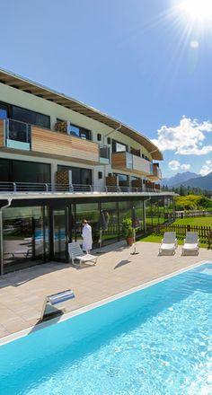 """Just beautiful: Bio-Wellnesshotel Holzleiten in Tirol. Mehr Slow Travel Hotel-Empfehlungen gibt es in unserem Blog-Artikel """"Die besten Kurztrips im Herbst"""". #hessnatur #slowtravel #biohotels #reisen #travel"""
