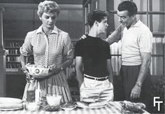 TV Program fashions of 50´s years tipical dress pearls and serving meals, for mom, polo father and shirt to sonLeave It to The Beaver