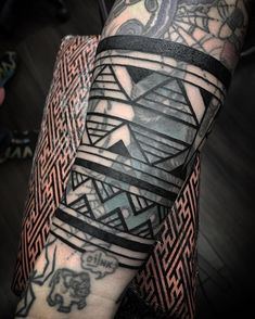 Search inspiration for a Tribal tattoo. Modern Tattoos, Black Tattoos, Tribal Tattoos, Girl Tattoos, Piercing Tattoo, Piercings, Blast Over Tattoo, Blackout Tattoo, Tattoo Inspiration