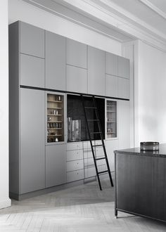 26 Gorgeous Scandinavian Kitchen With Grey Color Ideas. Pick More Lovely Scandinavian Kitchen Grey Ideas Grey Kitchens, Scandinavian Kitchen, Industrial Style Kitchen, Grey Kitchen, Interior Design Kitchen, Cheap Home Decor, House Interior, Kitchen Styling, Kitchen Design