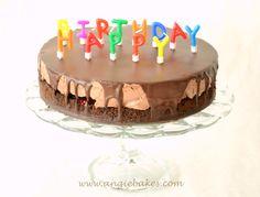 Čoskoro sa blíži druhý rôčik tohto blogu, tak to chcelo nejakú tortu. Od detstva milujem kombináciu banány a čokoláda, táto torta patrila medzi moje naj. Tak som ju pripravila aj teraz, nech ju tu … Birthday Cake, Desserts, Food, Cuba, Tailgate Desserts, Birthday Cakes, Deserts, Eten, Postres