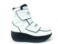 90's Tommy Hilfiger Cyber Sport White Leather Platform Velcro Strap Logo Boots // 7.5 by FeelingVagueVintage, $128.00
