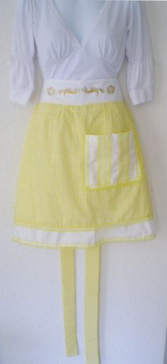 Beautiful White and Yellow Gingham Apron - Size M Long: 22 inches aprox Yoruba Religion, White Clothing, White Outfits, Gingham, Apron, Spirituality, Sewing, Trending Outfits, Yellow