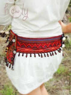 e42341fe8b6c Купить или заказать Уникальная сумка на пояс  Crazy Hmong  в  интернет-магазине на