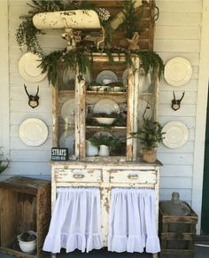 Beautiful porch (pinned from Forgotten Farmhouse on Instagram)