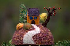 """""""Home sweet home""""- figurine décorative maison sur la colline, art textile -petit…"""