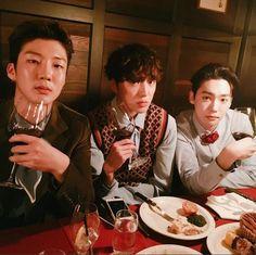 Las etiquetas más populares para esta imagen incluyen: winner, jinwoo, seunghoon y seungyoon