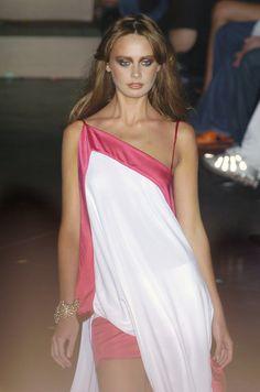 Dsquared² at Milan Fashion Week Spring 2005 - Runway Photos