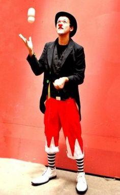 MALABARISTAS CIRCO BATUCADAS ZANQUISTAS MIMOS PAYASOS MONOCICLO 2-23330684// +569-94186330 Circo, batucadas, malabaristas, monociclo, mimos, personajes, escupefuegos, comparsa, bailarinas y ...