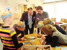 Bij BSO Doomijn kunnen kinderen deelnemen aan verschillende activiteiten, zoals schilderen en 'rara wat ben ik'.