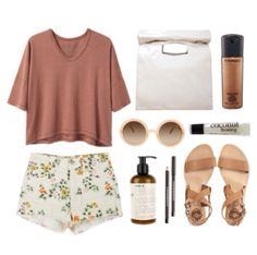 Loose t-shirt outfit