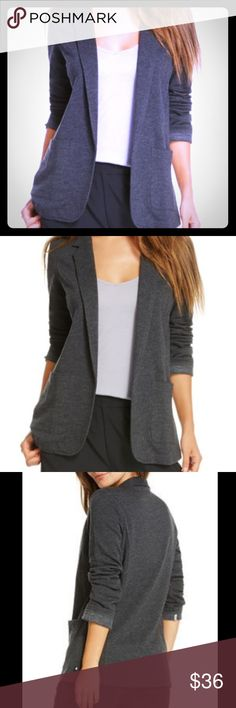 Fabletics Primrose gray blazer, size Medium - EUC Versatile gray blazer by Fabletics. Size Medium (size 8 on their chart). Blazer is in excellent, gently used condition. No stains, holes, etc. This blazer is casual and soft. 💕 Fabletics Jackets & Coats