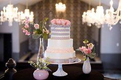 Pièce montée 2017  Gris Rose  Blanc #Chaque de Noël I Bella Via Venue I www.weddingwire.c