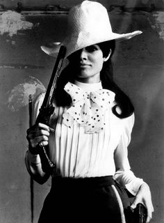 vintag, guns, brigitt bardot, danger women, women hat