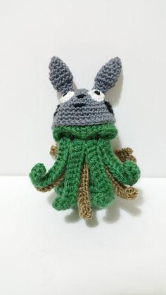 MUÑECO CTHULHU GORRO 10 cm horror cosmico conejo por Kutuleras