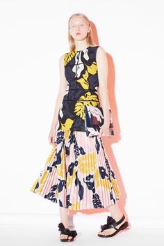 [plissado] [rosa e amarelo]    Cédric Charlier Resort 2016 - Collection - Gallery - Style.com