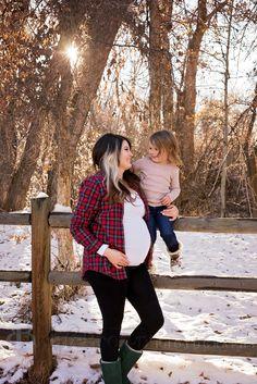 Elko, NV premier family/maternity photographer Winter maternitypictures Winter family pictures Fall maternity pictures
