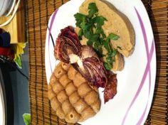 SAITAN! Ottima fonte di proteine sostituisce la carne per i vegetariani e vegan! Con radicchio grigliato e pane azzimo di farro