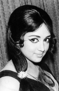 Красавица Hema Malini Lovely Girl Image, Girls Image, Hema Malini, Actress Anushka, Vintage Bollywood, The Greatest Showman, Beautiful Bollywood Actress, Hindi Movies, Bollywood Stars