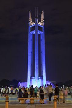 Pure_Rosero_-_Quezon_Monument_01.jpg (1600×2401)